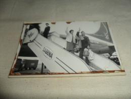 1 ANCIENNE PHOTO PERSONNES MONTANT A BORD  DE SABENA 9X13CM - Aviazione Commerciale