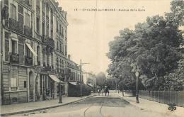 51-685  CPA  CHALONS SUR MARNE  Avenue De La Gare Animation   Belle Carte - Châlons-sur-Marne