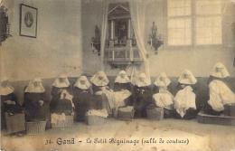 Gand - Le Petit Béguinage. ( Salle De Couture) - Gent