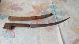 A IDENTIFIER - Knives/Swords
