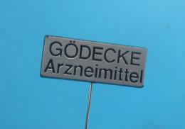GODECKE Arzneimittel - Now Part Of PFIZER * Vintage Pin Badge Pharmacy Officine Pharmacie Farmacia Pharmazie Farmacie - Trademarks