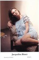 JACQUELINE BISSET - Film Star Pin Up - Publisher Swiftsure Postcards 2000 - Artistes