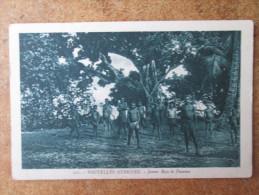 NOUVELLES HEBRIDES . JEUNES BOYS DE PAOUMA - Postcards
