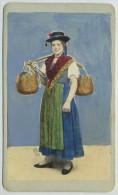 CDV Rehaussée Circa 1870 Naya à Venise. Venezia. Portatrice D'aqua. Donna Del Friuli. - Antiche (ante 1900)