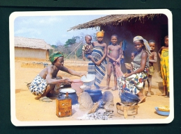 CAMEROON  -  Village Scene  Unused Postcard - Cameroon