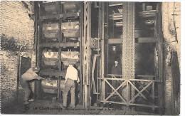 BELGIQUE - LE CHARBONNAGE - Déchargement D'une Cage à La Surface - Belgique