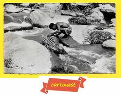 CPSM A.E.F. - PECHEUR SUR LE DJOUE (CONGO) - TBE ( Prix Net ) - Congo - Brazzaville