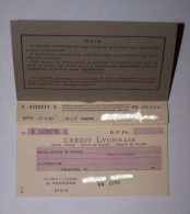 RARE ANCIEN CHEQUIER CREDIT LYONNAIS 1945, CARNET DE CHEQUES, CHEQUE PAYABLE A L´AGENCE FERMEE DE VOUZIERS, ARDENNES 08 - Cheques & Traveler's Cheques