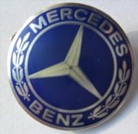 MERCEDES BENZ  PIN BADGE P2 - Mercedes