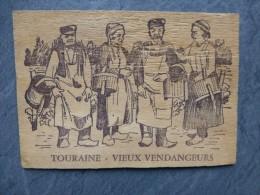 37 Touraine, Vieux Vendangeurs, CP En Bois Contreplaqué, Années 50 ?  ; Ref 059 - Unclassified