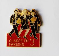 Pin's Classe En Fareins 3 - C016 - Pin's
