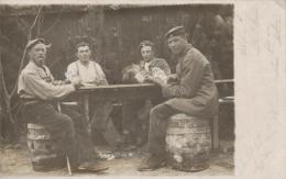 Soldaten Beim Skat... -alte Postkarte  (k988 ) Siehe Scan... - Militaria
