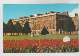 CPSM HAMPTON COURT (Angleterre-Grand Londres) - Le Chateau - London Suburbs