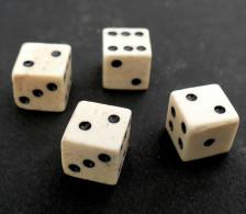 4 ) LOT DES A JOUER ANCIENS EN OS - Jeux De Société