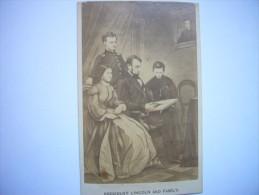 Photo CDV Abraham Lincoln Président Des Etats-Unis D'Amérique Et Sa Famille - USA - Photographs