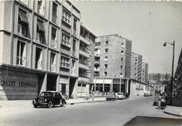 SEDAN - L'avenue Du Général Leclerc, Voitures. - Sedan