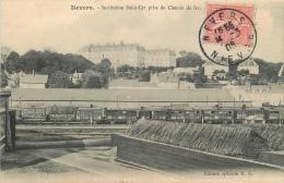 CPA Nevers-Institution Saint Cyr Prise Du Chemin De Fer  L 2025 - Nevers