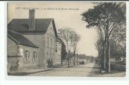 03 URCAY La Mairie Et La Route Nationale - Altri Comuni