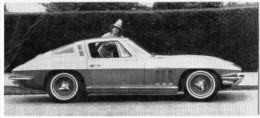 Automobiles Rétros. Photo De Voiture Ancienne. La Chevrolet Corvette. Verso : Caractéristiques Techniques De La Voiture. - Voitures