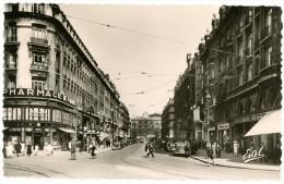 Lille. Rue Faidherbe Street. Pharmacie De France - Doublet. Cineac. Envoyée En 1948. Voitures Ancêtres. Oldtimers. - Lille