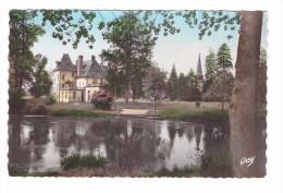 27 Acquigny Le Chateau Et L' étang - Acquigny