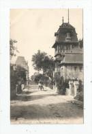 Cp , 14  , HOULGATE , La Rue BAUMIER , Attelage , Vierge - Houlgate