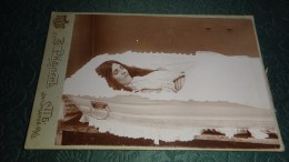 Russia. Corpse Of The Fine Girl, In Smart White To A Coffin. Petersburg. - Russia