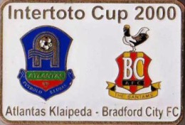 Football Soccer. Pin. 2000 Atlantas Klaipeda – Bradford City - Football