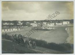 (Royan) Automobile Et Vue De La Plage. Vers 1909. - Orte