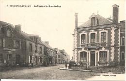 1912  . SOUDAN     ; LA  POSTE  ET  LA  GRANDE  RUE     Animee - France