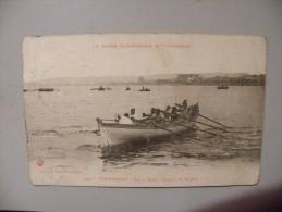 A368. CPA. 50. CHERBOURG. Sur La Rade. Un Jour De Régates.  Beau Plan Animé. Ecrite & Voyagée 1918 - Cherbourg