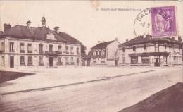 BOULT SUR SUIPPES - La Place Avec Ets GOULET TURPIN - Frankrijk