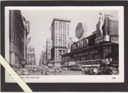 Etats Unis - New York City - Times Square - Bond Apparel For Women - Time Square