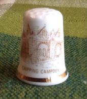 THIMBLES - DÉ À COUDRE EN PORCELAINE - CHIPPING CAMPDEN, COTSWOLD, UK - Dés à Coudre