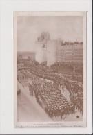 Carte Postale - Les Funérailles D'EDOUARD VII Les Marins Tirant Le Char Funèbre Jusqu Au Chateau De Windsor - Familles Royales
