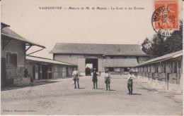 VAUXDETRE . MAISON DE M MUMM . LA COUR ET LES ECURIES . RARE . 1910 - Altri Comuni