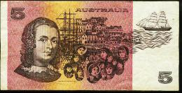 AUSTRALIA $5.DOLLARS NOTE IN A NICE GRADE CONDITION. NO TEARS, PINHOLES OR GRAFFITI. - Moneta Locale