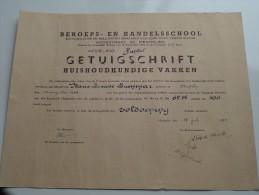 BEROEPS- En HANDELSSCHOOL ( LAMMAR Marie-Louise ) Getuigschrift Mechelen Anno 1955 ( Details Zie Foto ) ! - Diplômes & Bulletins Scolaires