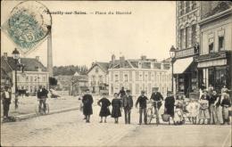 Cp Romilly Sur Seine Aube, Vue Générale De La Place Du Marché - Autres Communes