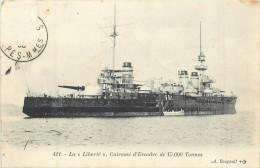 BATEAUX  Bateau De Guerre La Liberté  Cuirassé D'escadre De 15000 Tonnes   2 Scans - Guerra