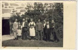Familien - Foto Mit Soldat In Der Mitte, 1940 - Fotografie