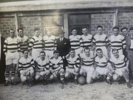 RARE 1932  PHOTO CA VILLENEUVE RUGBY XV (PAS ENCORE TREIZE ) GALIA ROUSIE PERRICOT CAMO NOGUERES  ET + - Rugby