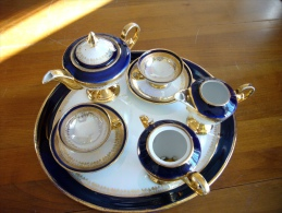 Service Porcelaine Allemande Sur Plateau JLMENAU - Tasses