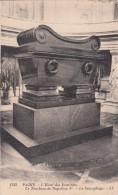 Cp , 75 , PARIS , L'Hôtel Des Invalides , Le Tombeau De Napoléon Ier , Le Sarcophage - Other Monuments