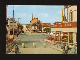 CPSM  89 MIGENNES Avenue De La Gare , MOBYLETTE Et Un VÉLO SOLEX , Commerces - Migennes