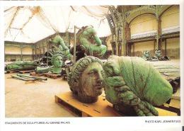 Fragments De Sculptures Au Grand Palais, Paris - Artigianato Di Parigi