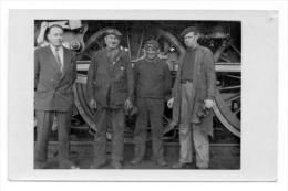 LOCOMOTIVE SNCF.Conducteur Et Les Mècaniciens . Carte Photo - Photographie