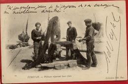 76 ETRETAT - Pêcheurs Réparant Leurs Filets - Carte Précurseur - Animée - Etretat