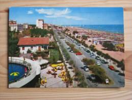 Rn1373)  Riccione - Lungomare E Spiaggia - Rimini