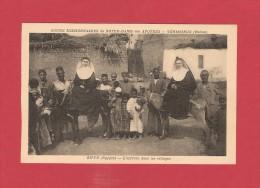 * CPA.. : EGYPTE : ZIFTE : L' Arrivée Dans Les Villages - Soeurs Missionnaires De N . D. Des Apotres : Voir Les 2 Scans - Missionen